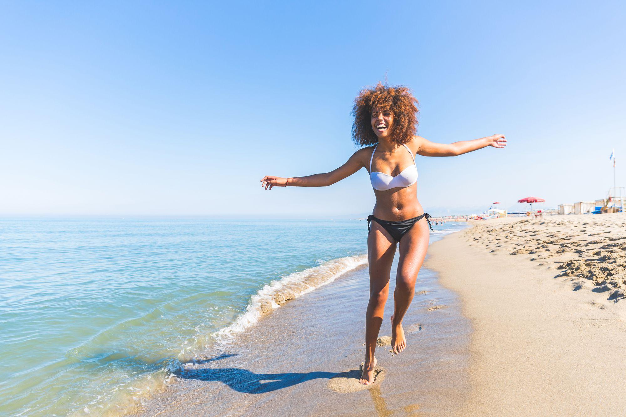 Entenda como escolher o biquíni ideal para o seu corpo