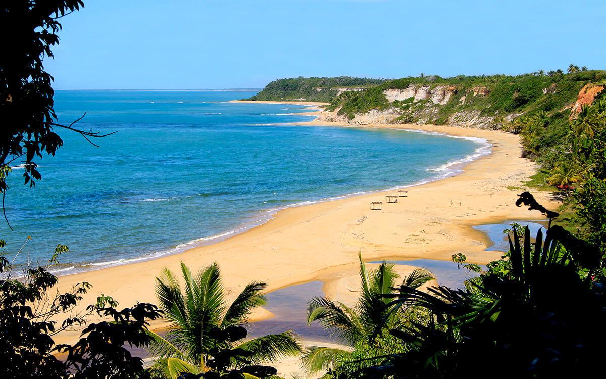 Confira a nossa lista das melhores praias do Brasil